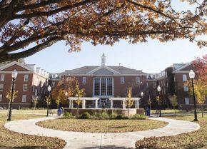 イリノイ州立大学