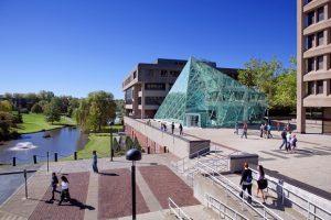 ニューヨーク州立大学ニューポルツ校